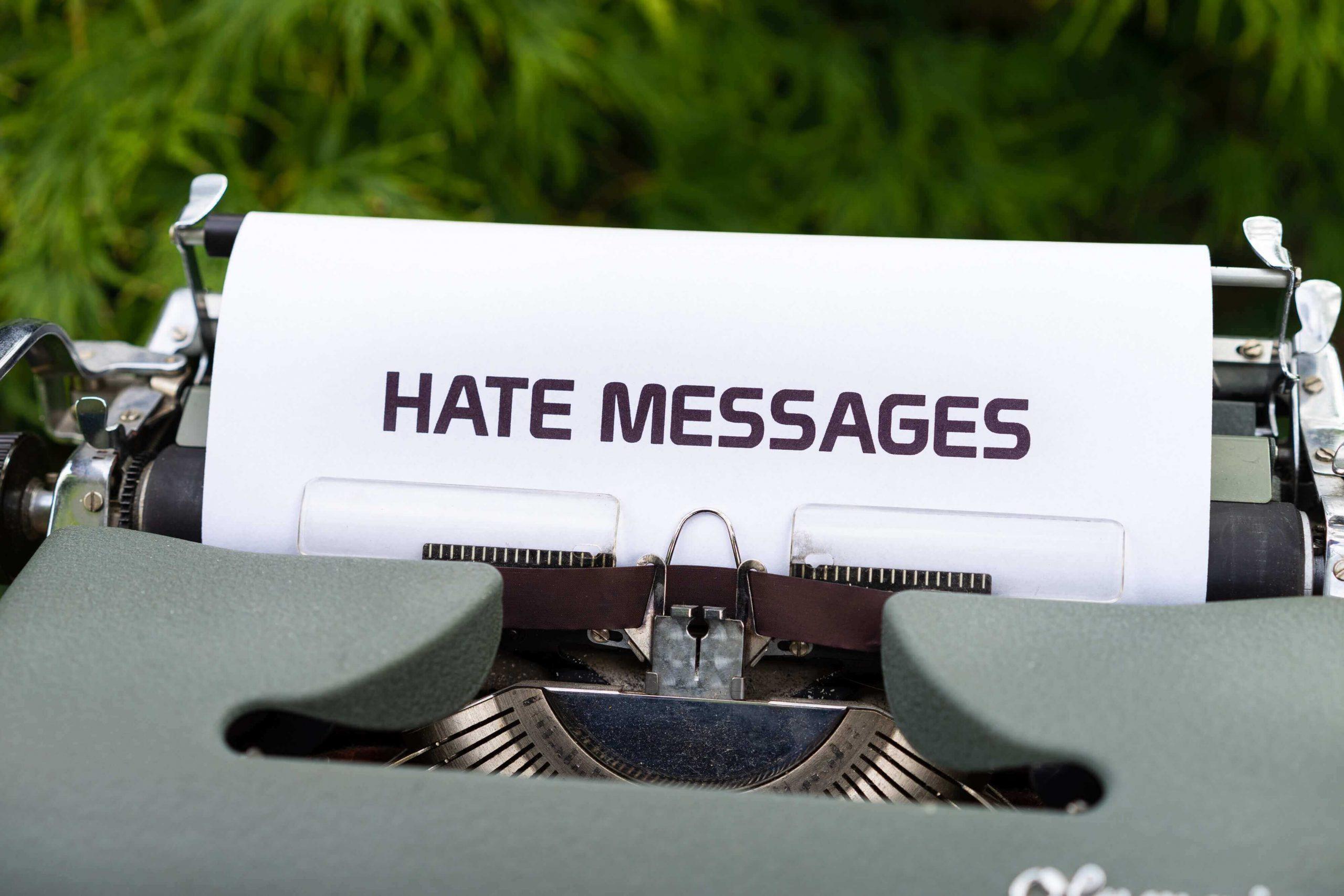 italiani - piramide dell'odio