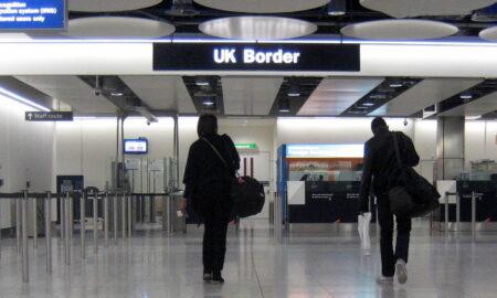 Italiani detenuti in UK - https://commons.wikimedia.org/wiki/File:UK_Border,_Heathrow.jpg